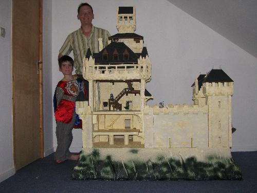 Construire un ch teau pour les playmobils - Construire une maison playmobil ...
